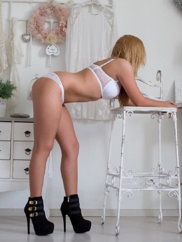Lia - Budapest erotic massage