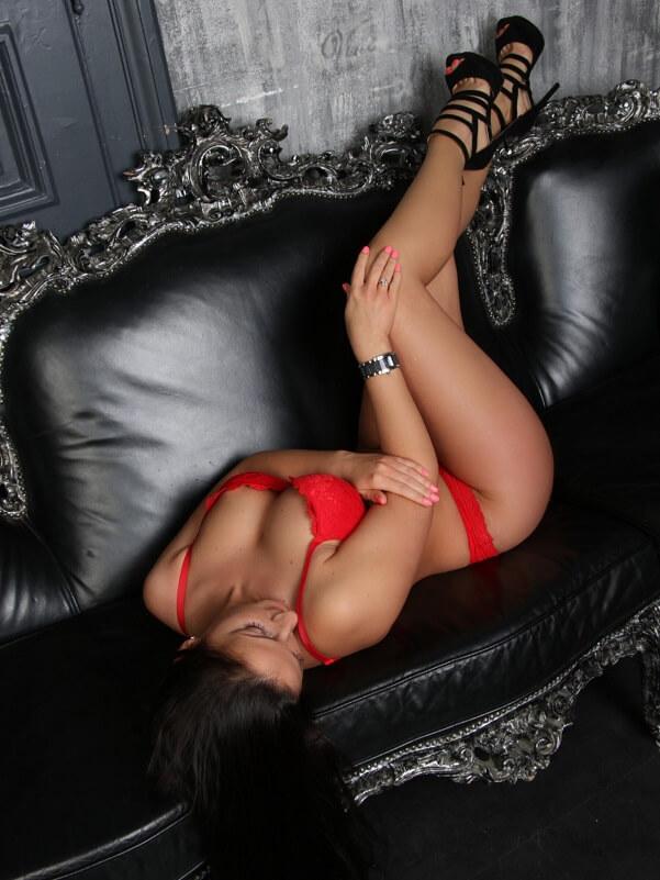 Melinda - Budapest erotic massage