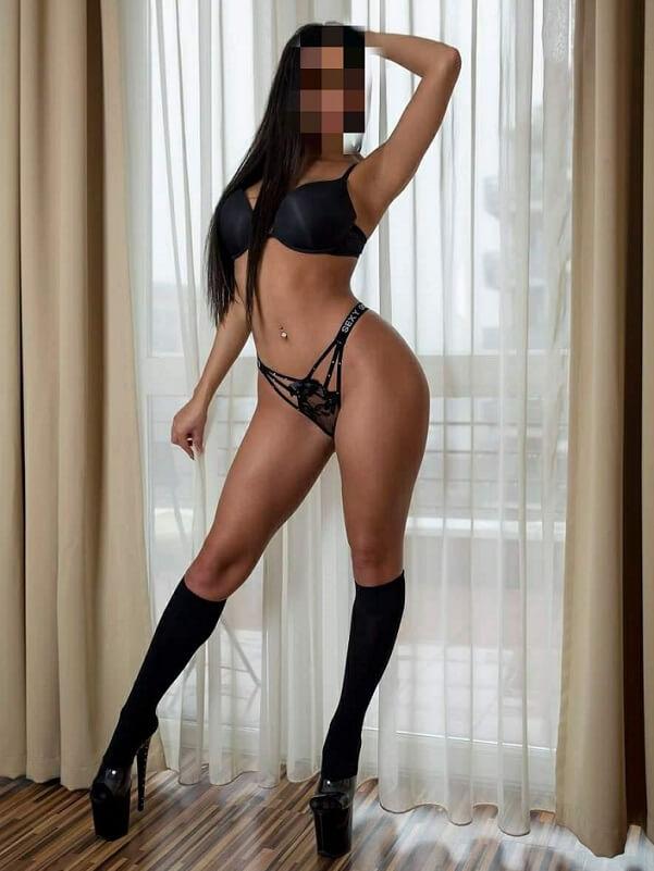 Amina - Budapest erotic massage