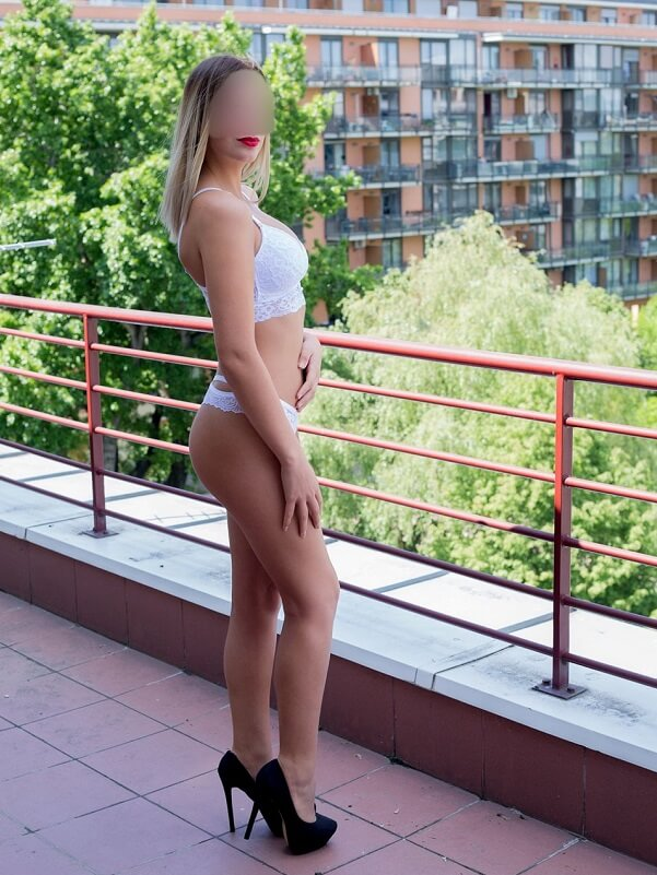 Emma - Budapest erotikus masszázs